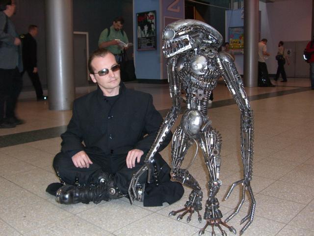 real life alien robots games dan